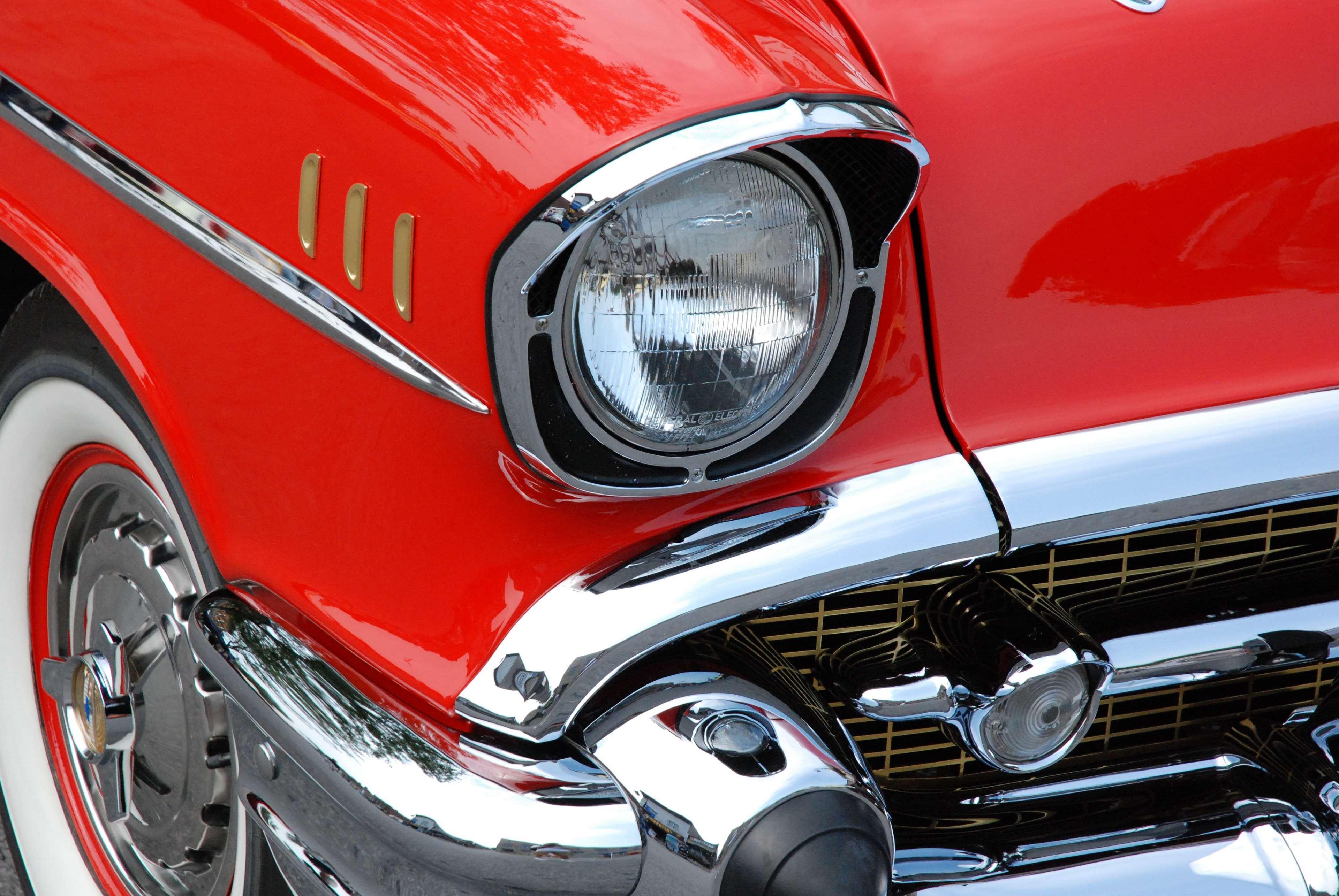 3035277-automobile_automotive_car_chevrolet_chrome_classic-car_red_vintage
